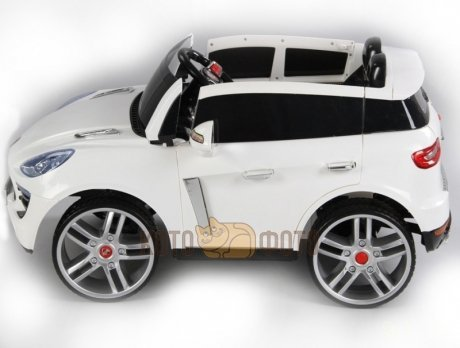 Электромобиль RiverToys Porsche Macan A555MP (белый)