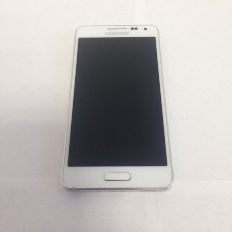Смартфон Samsung Galaxy Alpha SM-G850F 32Gb White (Уценка)