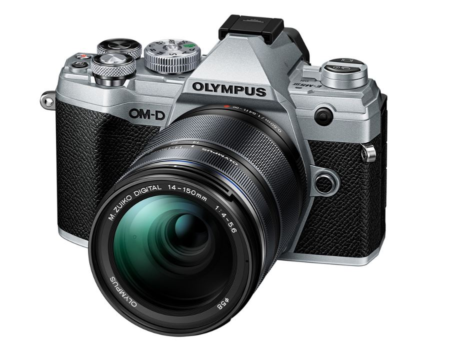 Фото - Цифровой фотоаппарат OM-D E-M5 Mark III Kit (E-M5 Mark III Body silver + EZ-M1415 II black ) фотоаппарат