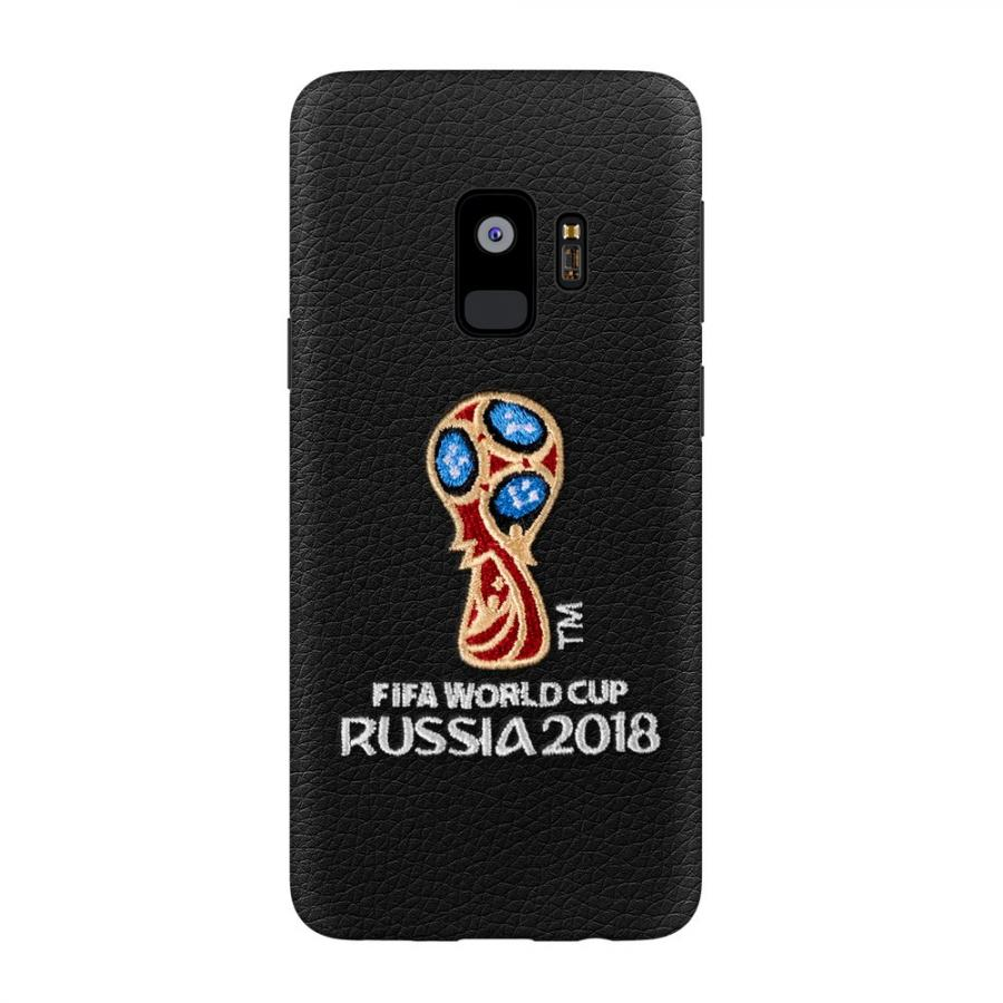 цены на Чехол Deppa ЧМ по футболу FIFA™ Логотип, вышивка, для Samsung Galaxy S9 Black  в интернет-магазинах